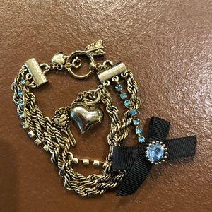 BETSEY JOHNSON bracelet (with bag)